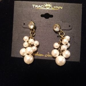 🆕TRACI LYNN Pearl Fashion Earrings
